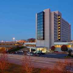 Отель Hyatt Regency Pittsburgh International Airport парковка