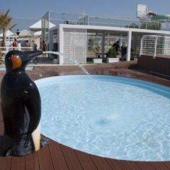 Отель Riccione Beach Hotel Италия, Риччоне - 5 отзывов об отеле, цены и фото номеров - забронировать отель Riccione Beach Hotel онлайн бассейн