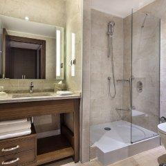 Hilton Garden Inn Izmir Bayrakli Турция, Измир - отзывы, цены и фото номеров - забронировать отель Hilton Garden Inn Izmir Bayrakli онлайн ванная