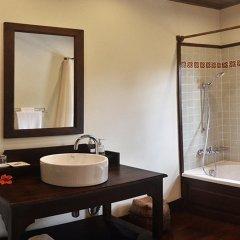 Отель Villa Maydou Boutique Hotel Лаос, Луангпхабанг - отзывы, цены и фото номеров - забронировать отель Villa Maydou Boutique Hotel онлайн ванная