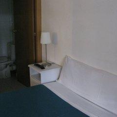 Отель Hostal Elkano Барселона ванная