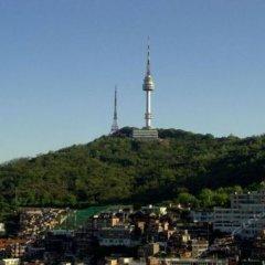 Отель Seoul Tower Family Guesthouse Сеул приотельная территория