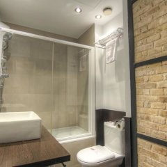 Отель Petit Palace Ruzafa Валенсия ванная