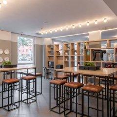 AZIMUT Hotel Vienna гостиничный бар
