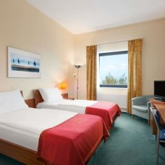 Отель Ramada Airport Hotel Prague Чехия, Прага - 2 отзыва об отеле, цены и фото номеров - забронировать отель Ramada Airport Hotel Prague онлайн фото 2