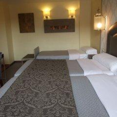 Отель Maciá Alfaros интерьер отеля