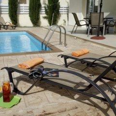 Отель Villa Dahlia бассейн