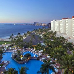 Отель Sheraton Buganvilias Resort & Convention Center пляж