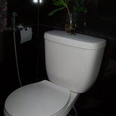 Отель Charm Guest House - Hostel Филиппины, Пуэрто-Принцеса - отзывы, цены и фото номеров - забронировать отель Charm Guest House - Hostel онлайн ванная