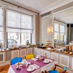 Отель Hôtel Bradford Elysées - Astotel Франция, Париж - 3 отзыва об отеле, цены и фото номеров - забронировать отель Hôtel Bradford Elysées - Astotel онлайн питание фото 2