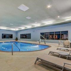 Holiday Inn Express Hotel & Suites Greenville Airport бассейн