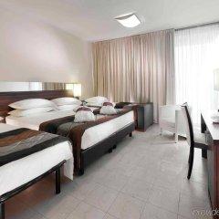 Отель Mercure Rimini Lungomare комната для гостей фото 3