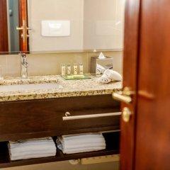 Отель Renaissance Brussels Hotel Бельгия, Брюссель - 3 отзыва об отеле, цены и фото номеров - забронировать отель Renaissance Brussels Hotel онлайн ванная