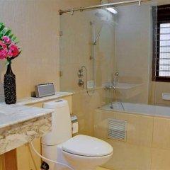 Отель Santi Pura Residences ванная