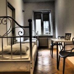 Отель Hostel Chmielna 5 Rooms & Apartments Польша, Варшава - отзывы, цены и фото номеров - забронировать отель Hostel Chmielna 5 Rooms & Apartments онлайн комната для гостей фото 3