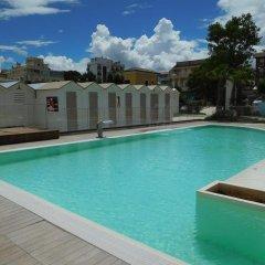 Hotel Villa Linda Риччоне бассейн