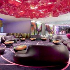 Отель nhow Berlin гостиничный бар