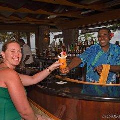Отель The Naviti Resort Фиджи, Вити-Леву - отзывы, цены и фото номеров - забронировать отель The Naviti Resort онлайн гостиничный бар