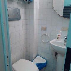 Отель Clear and Cheap Бари ванная фото 2