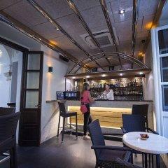 Отель Hostal Ferreira гостиничный бар