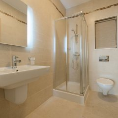 Отель Seafront Luxury Apartment With Pool Мальта, Слима - отзывы, цены и фото номеров - забронировать отель Seafront Luxury Apartment With Pool онлайн ванная