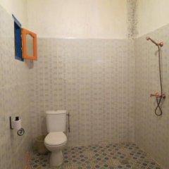 Отель Kasbah Le Berger Au Bonheur des Dunes Марокко, Мерзуга - отзывы, цены и фото номеров - забронировать отель Kasbah Le Berger Au Bonheur des Dunes онлайн ванная фото 2