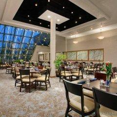Crowne Plaza Hotel Columbus North Колумбус питание
