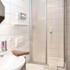 Отель Am Hachinger Bach Германия, Нойбиберг - отзывы, цены и фото номеров - забронировать отель Am Hachinger Bach онлайн ванная фото 2