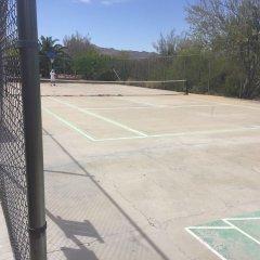 Отель La Siesta Motel & RV Resort спортивное сооружение