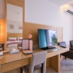 Отель The Par Phuket удобства в номере