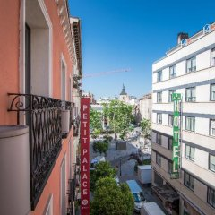 Отель Petit Palace Tres Cruces Испания, Мадрид - отзывы, цены и фото номеров - забронировать отель Petit Palace Tres Cruces онлайн балкон