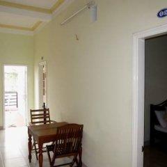 Отель An Thi Homestay Хойан в номере