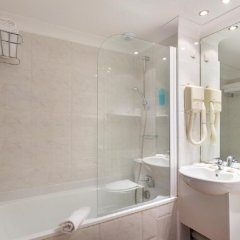 Отель Best Western Lakmi hotel Франция, Ницца - 9 отзывов об отеле, цены и фото номеров - забронировать отель Best Western Lakmi hotel онлайн ванная фото 2