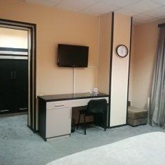 Отель Дипломат Грузия, Тбилиси - отзывы, цены и фото номеров - забронировать отель Дипломат онлайн удобства в номере фото 2