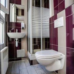 Отель Young & Happy Latin Quarter by Hiphophostels ванная фото 2