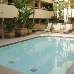 Отель Sommerset Suites бассейн фото 3