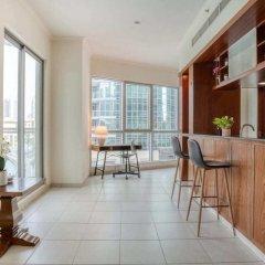 Отель Premium Apt - Full Burj Khalifa & Fountain View! Дубай комната для гостей фото 3