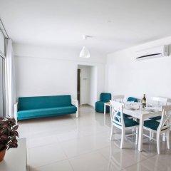 Отель Tsokkos Holiday Hotel Apartments Кипр, Айя-Напа - 1 отзыв об отеле, цены и фото номеров - забронировать отель Tsokkos Holiday Hotel Apartments онлайн комната для гостей фото 5