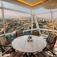 Отель The Biltmore Tbilisi Грузия, Тбилиси - 3 отзыва об отеле, цены и фото номеров - забронировать отель The Biltmore Tbilisi онлайн балкон