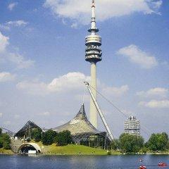 Отель Adagio access München City Olympiapark Мюнхен приотельная территория