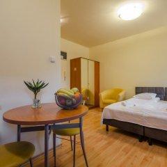 Апартаменты Dom & House - Apartments Zacisze комната для гостей фото 5