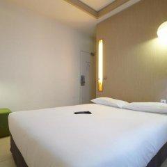 Отель Kyriad Paris 10 - Canal Saint Martin - République 3* Стандартный номер с различными типами кроватей фото 6