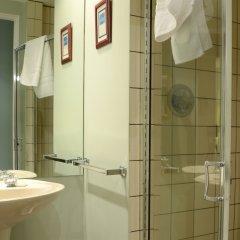 Отель Rosellen Suites At Stanley Park Канада, Ванкувер - отзывы, цены и фото номеров - забронировать отель Rosellen Suites At Stanley Park онлайн ванная