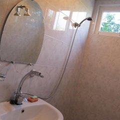 Отель Lyova & Sons B&B ванная