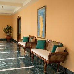 Отель The LaLiT Golf & Spa Resort Goa парковка