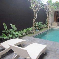 Отель Alia Home Sanur Индонезия, Бали - отзывы, цены и фото номеров - забронировать отель Alia Home Sanur онлайн бассейн