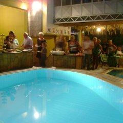 Kleopatra Carina Hotel бассейн