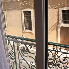 Отель Lisbon Arsenal Suites Лиссабон балкон