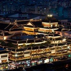 Renaissance Shanghai Yu Garden Hotel фото 5