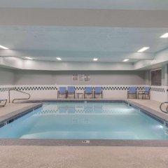 Отель La Quinta Inn & Suites Logan бассейн фото 2
